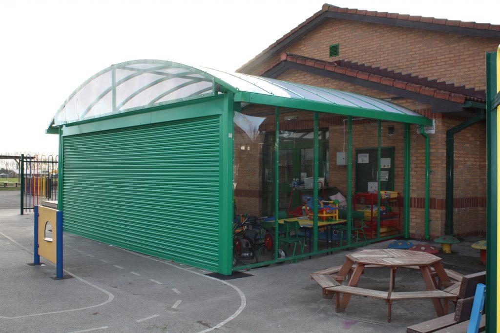 Green Motiva Shutter Canopy