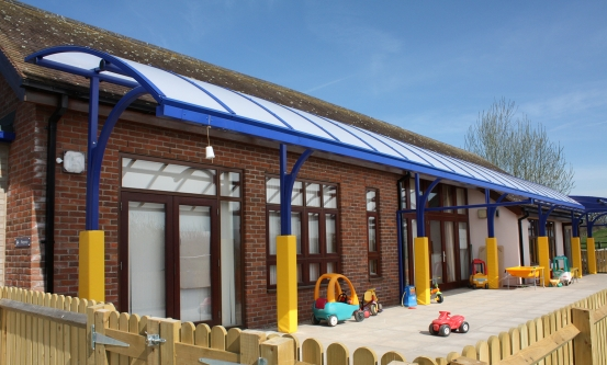 Cantilever Canopy with Post Pads